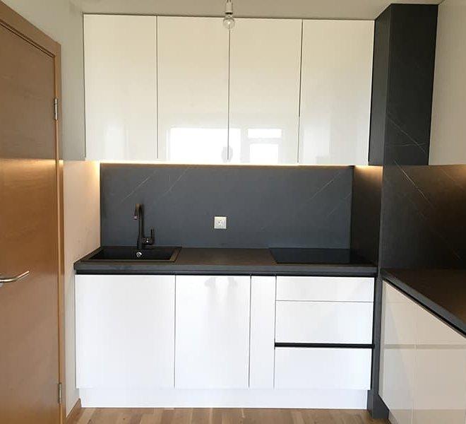 melnbalta-virtuve-1